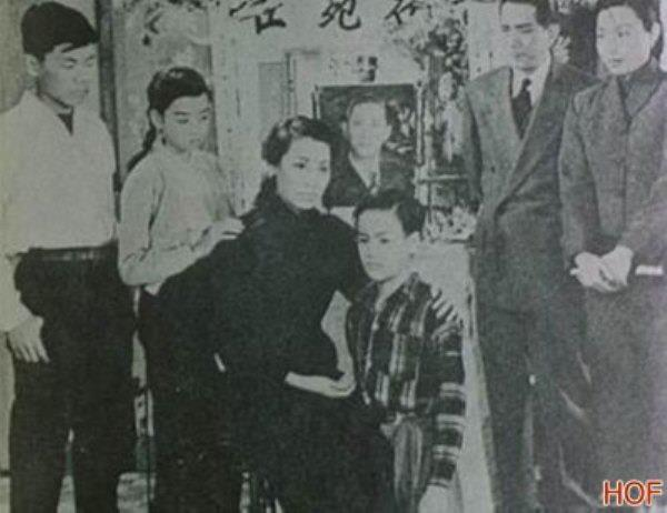 Lý Tiểu Long trong phim The Beginning Of The Boy (1946). Posted by Admin ĐN