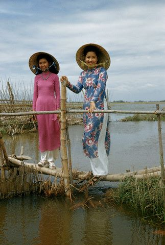 Miền Nam, 1952 (Image by © George W. Long/National Geographic Society)  DTT